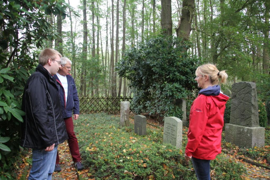Besuch auf dem jüdischen Friedhof in Bassum